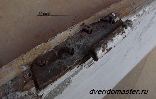 песочница из старых дверей своими руками